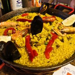 Paella Pfanne in Porto Colom